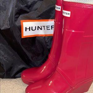 Magenta Hunter Wedge Rain Boots